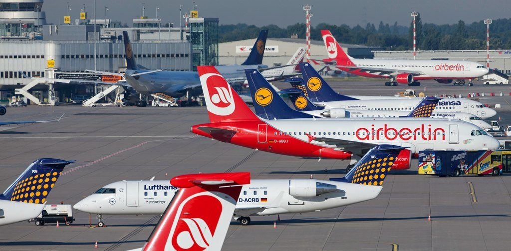 Lufthansa und Air Berlin am Flughafen Düsseldorf